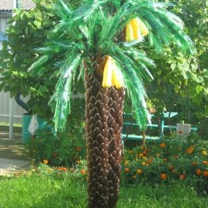 Южная пальма из пластиковых бутылок