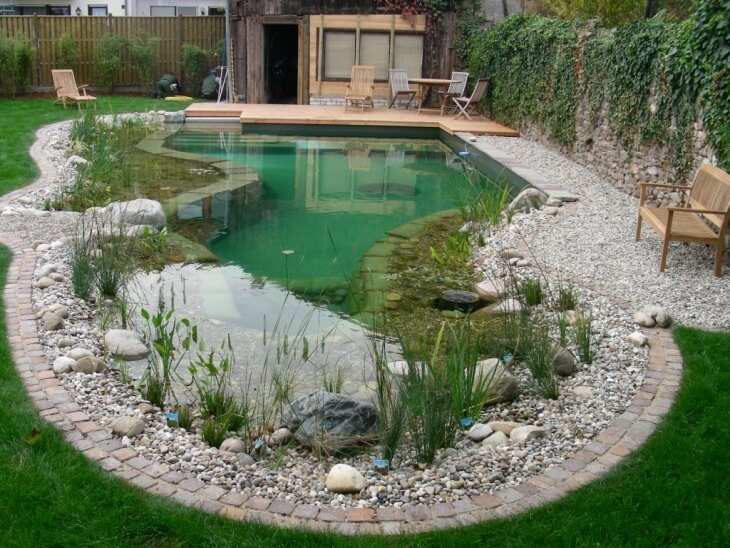 Декоративный бассейн
